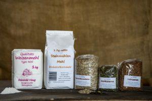 Mehl und Saaten